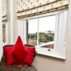 Acorn Curtains And Blinds